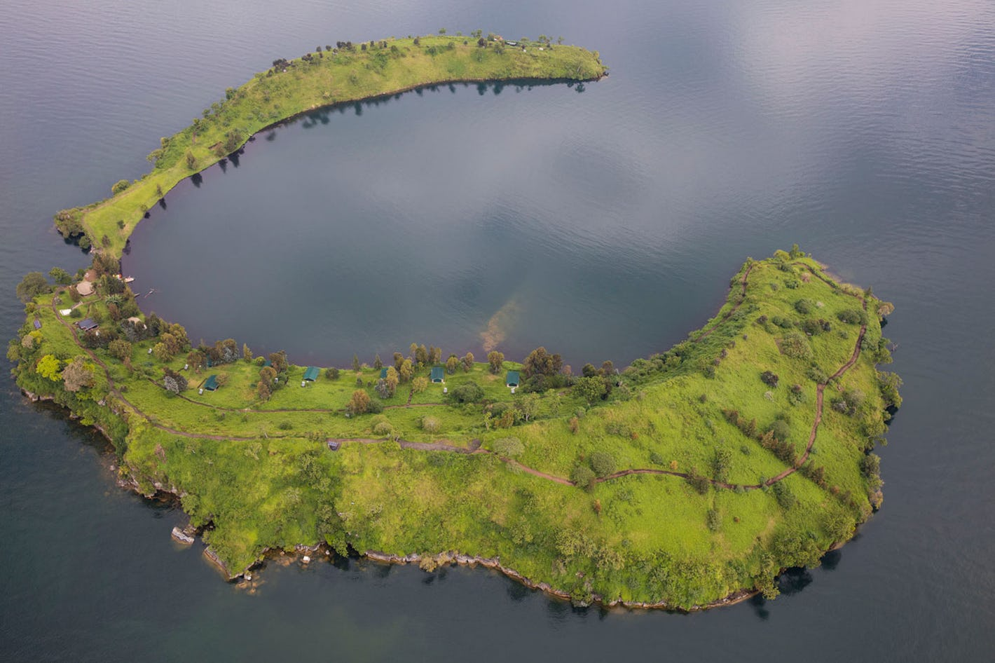 Tchegera Island